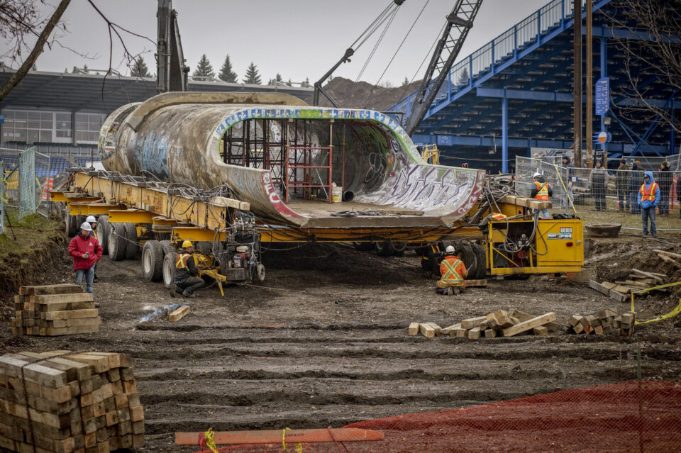 The Big-O Pipe gets her own set of wheels.  Photo: Dan Mathieu</span>