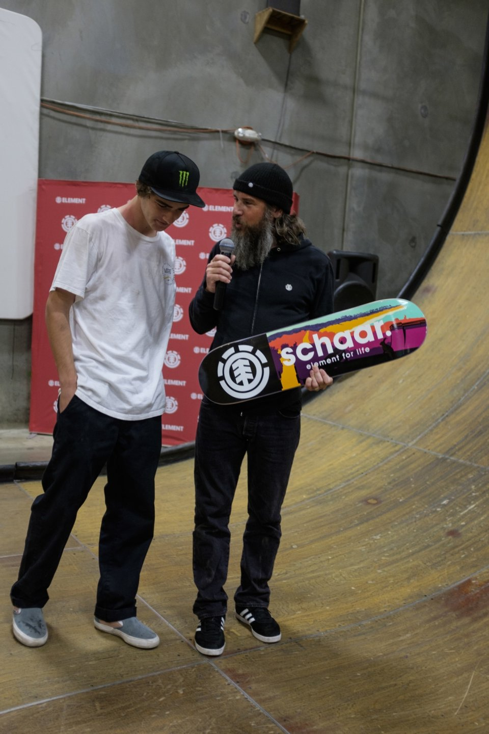 Johnny Schillereff Giving Tom First Board  Photo: Ryan Esquibel​</span>