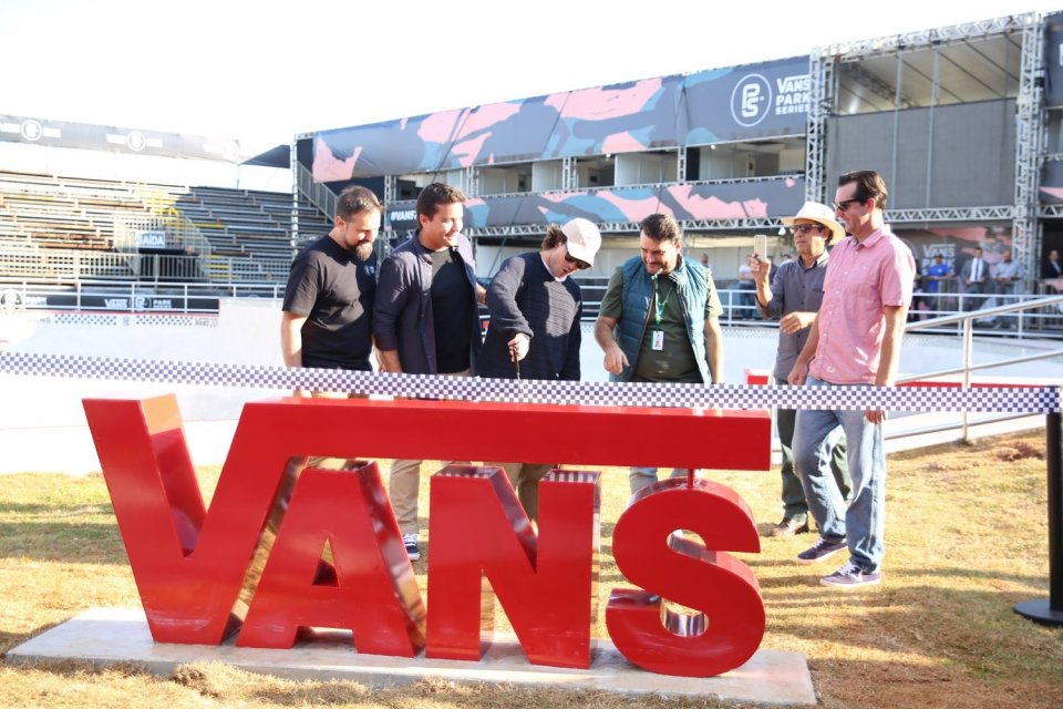 Pedro Barros officially opening the new Vans Skatepark in Sao Paulo  Photo: Murilo Amancio</span>