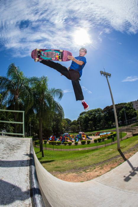 Karl Berglind uplifts the Madonna praxis with a huge smackdown in Serra Negra, Brazil. - April 2017 Bryce Kanights