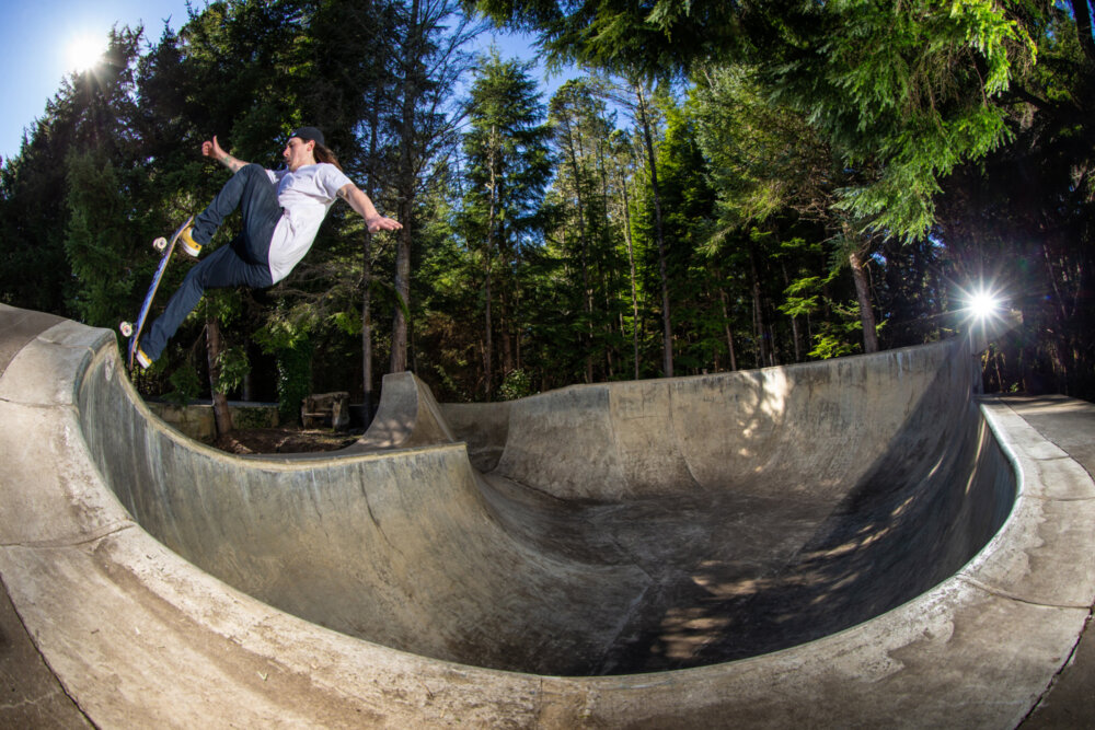 Kevin Kowalski frontside blunts in his backyard at Seal Rock, Oregon - March 2019 Bryce Kanights
