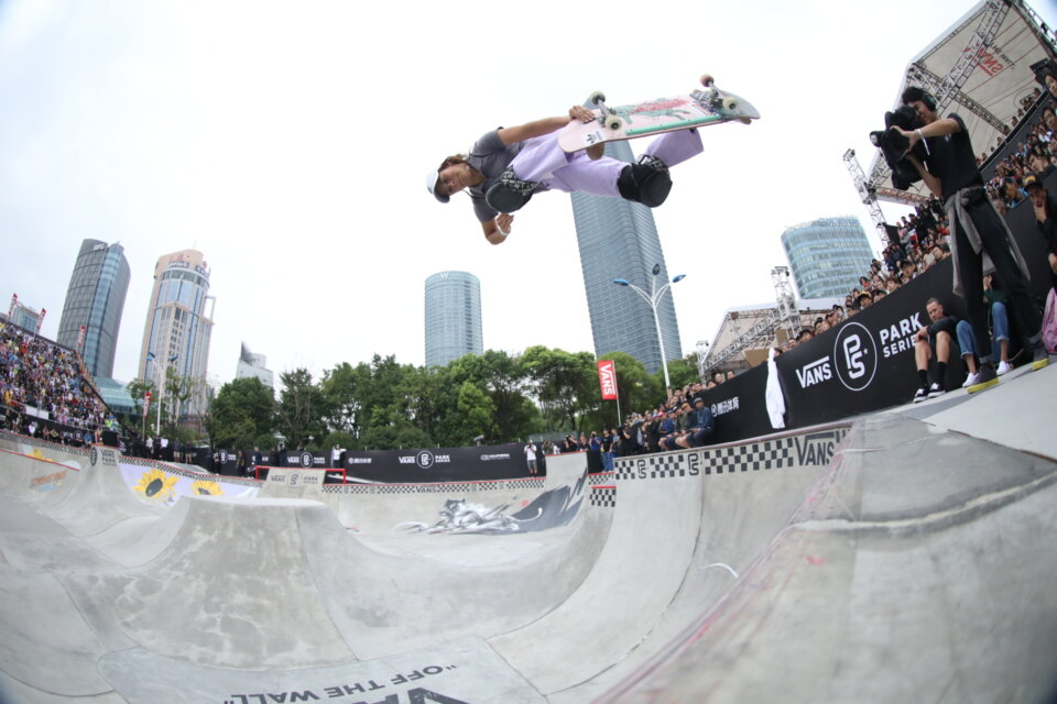 Nora has one of the best, most natural looking backside airs in the game. This one was part of her 2018 VPS victory in Shanghai.  Photo: Anthony Acosta</span>